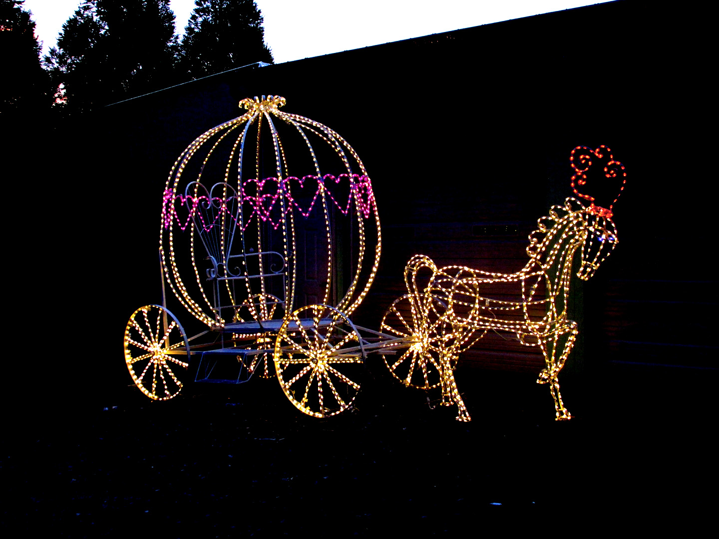 Exclusivelly Designed By The Holiday Light Store! Has A Seat Inside The  Carriage For Photo Sessions. Comes With (1) 3D Horse. Horse And Carriage  Can Be ...
