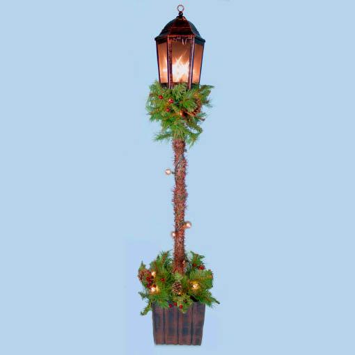Christmas Lamp Post with Garland